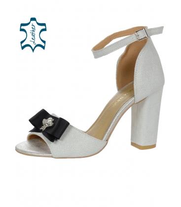 d8c05b6c769f Trblietavé strieborné sandále na hrubom podpätku s mašľou DSA048