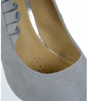 Sivé lodičky z brúsenej kože s nariasením DLO2040