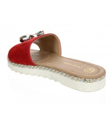 Červené kožené šľapky s farebnou ozdobou CA540