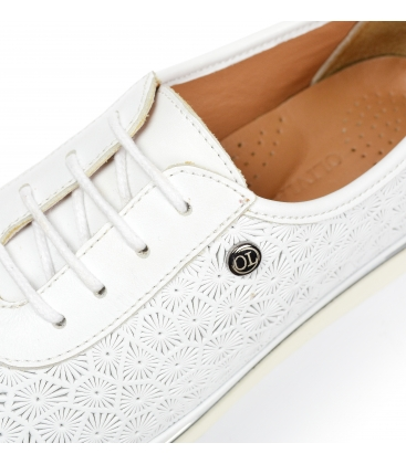 Biele kožené tenisky s potlačou D-505
