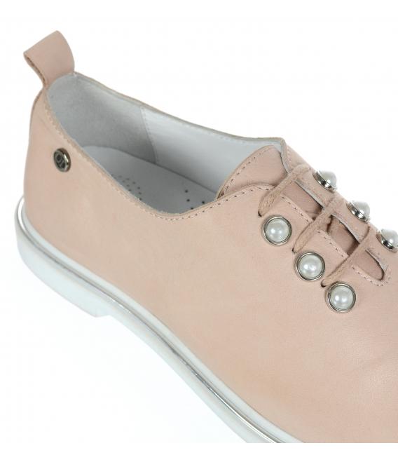 Pudrové dámské kožené polobotky s perlami D-741