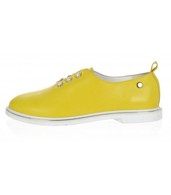 Žlté dámske kožené poltopánky s perlami D-741