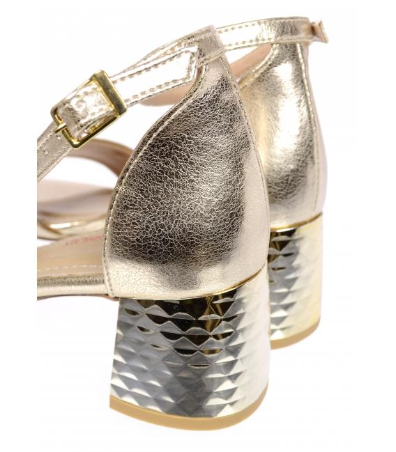 Zlaté kožené sandále na hrubom vzorovanom podpätku DSA2106