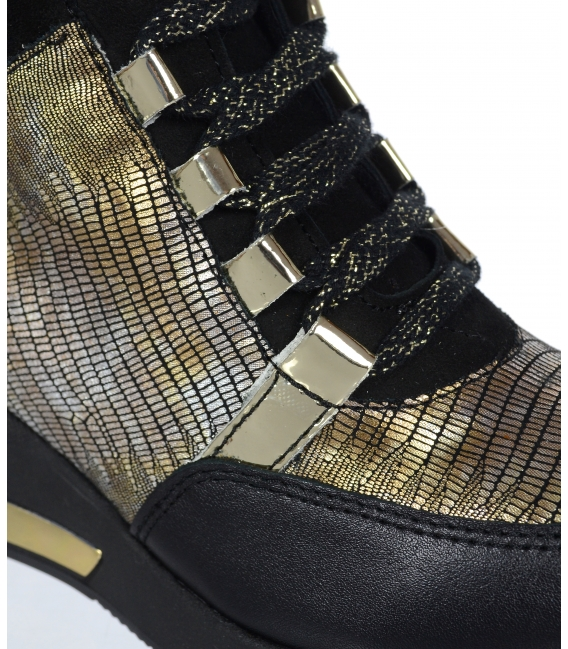 Zateplené čierne tenisky so zlatým hadím vzorom DKO3018