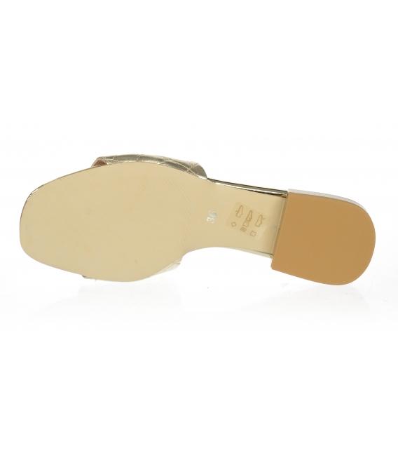 Zlaté šľapky s jemným prešívaným zvrškom DSL2206