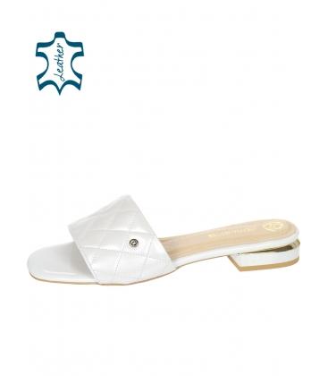 Stříbrné pantofle s jemným prošívaným svrškem DSL2206