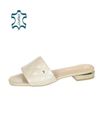 Béžové pantofle s jemným prošívaným svrškem DSL2206