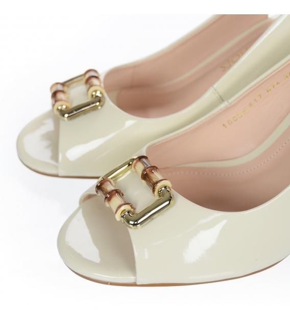 Béžové lakované elegantné sandále 10035-517-674