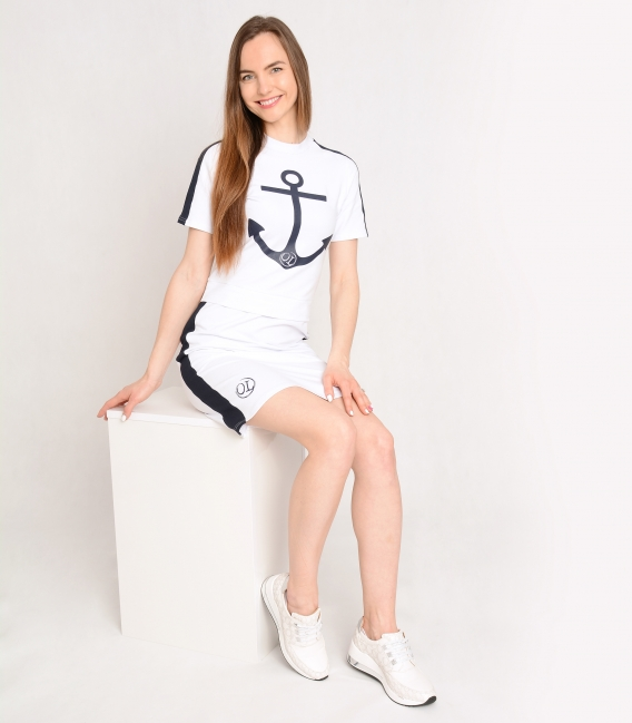 Bílé sportovní šaty s námořnickým motivem SOFIA