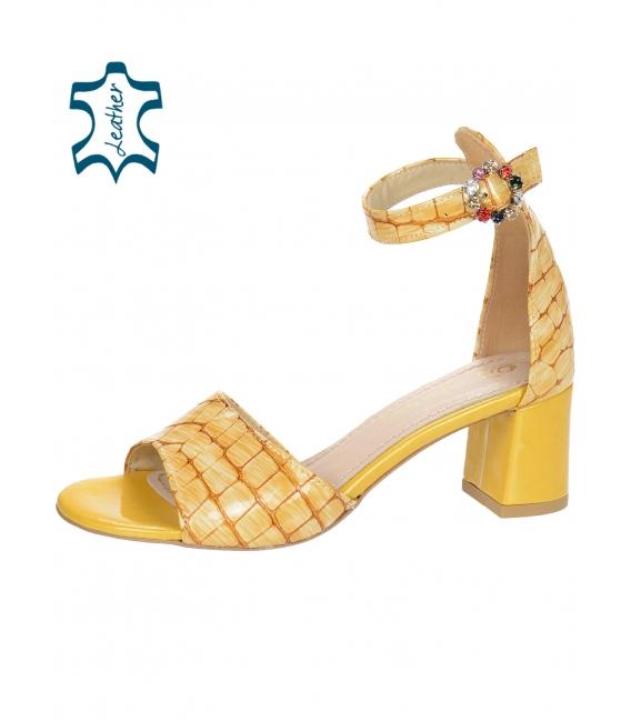Žluté dámské sandály na hrubém podpatku s kroko vzorem DSA036