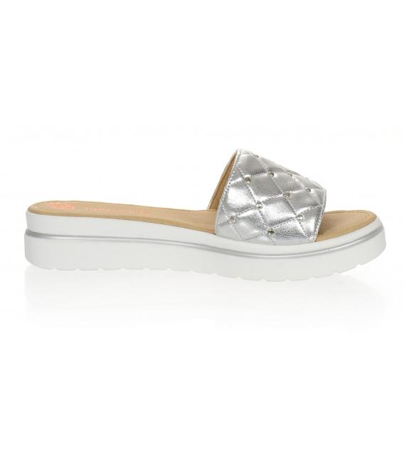 Stříbrné kožené pantofle na pohodlné podešvi DSL3400