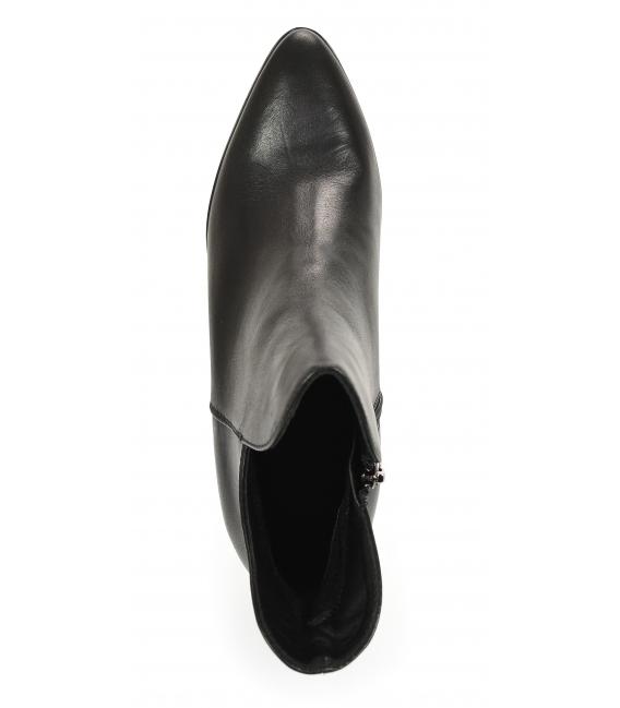 Čierne elegantné členkové čižmy na podpätku 2237