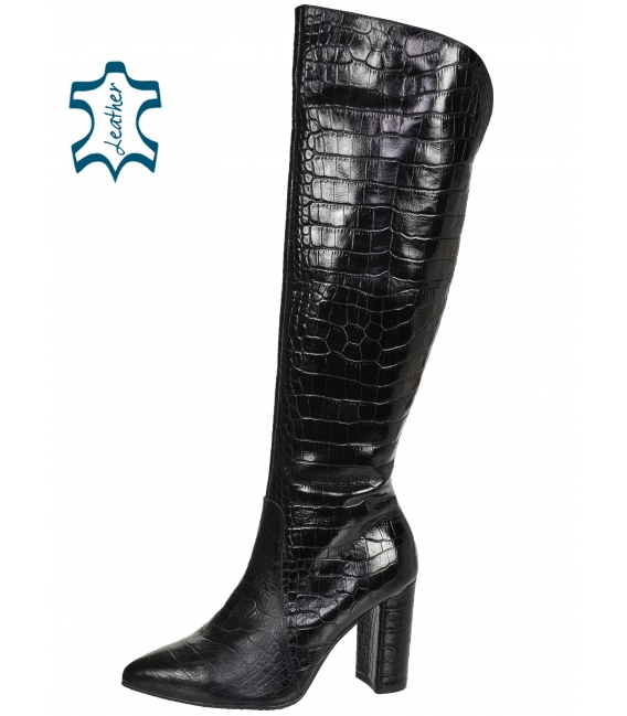 Black high boots with step pattern 2126