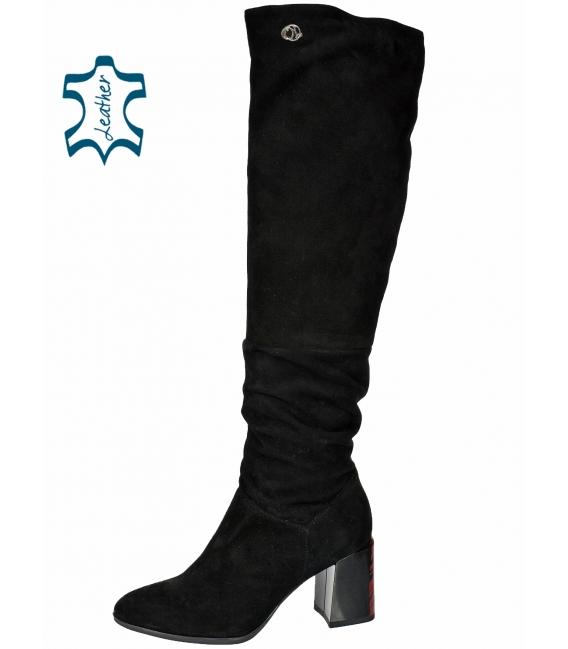 Black boots on patterned burgundy heel 2268