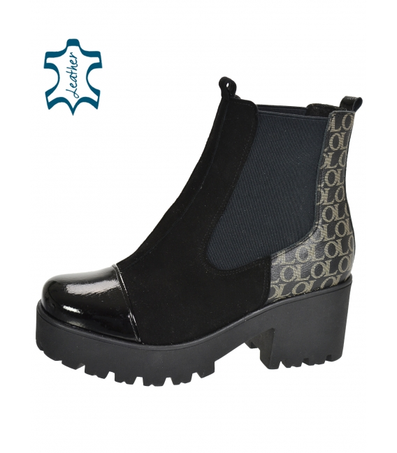 Black ankle boots with monogram on the thick heel DKO2265