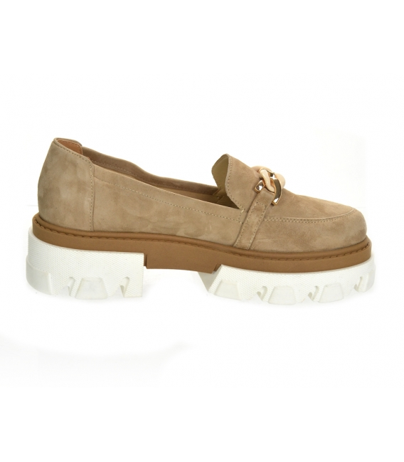Pale brown extravagant low shoes with chain DBA2268