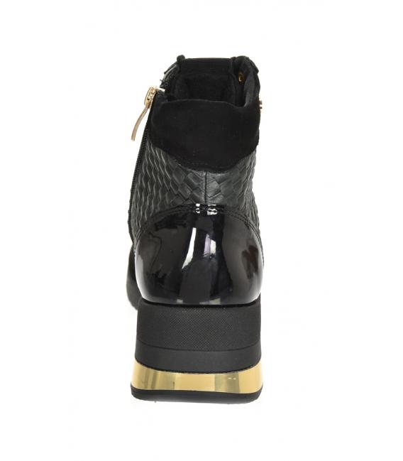 Zateplené čierno-zlaté tenisky so vzorovaným materiálom DKO2267