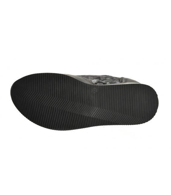 Čierno-sivé tenisky s maskáčovým vzorom na čiernej podošve KARLA DTE2118