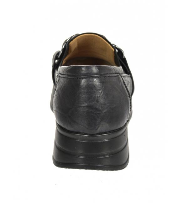 Čierne tenisky s pokrčeným vzhľadom a čiernou ozdobou DTE3404