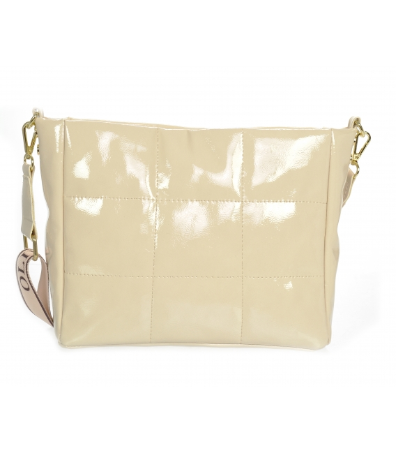 Béžová lesklá prešívaná kabelka so štýlovým remienkom WANDA