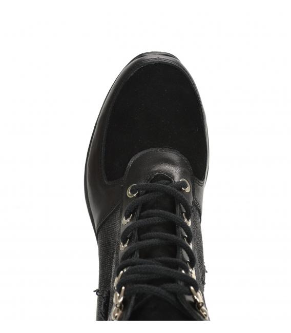 Zateplené čierne tenisky so vzorovaným materiálom a nášivkou DKO2282