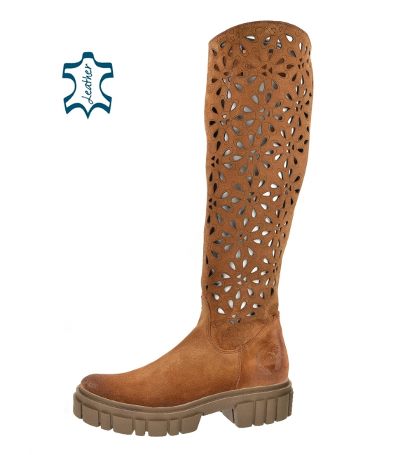Brown boots with perforation on a brown Venus CA145 sole