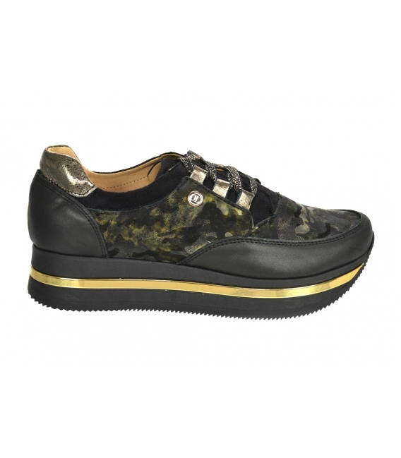 Discounted set of black-green sneakers with camouflage pattern DTE2118 + Green handbag with camouflage pattern KALISTO