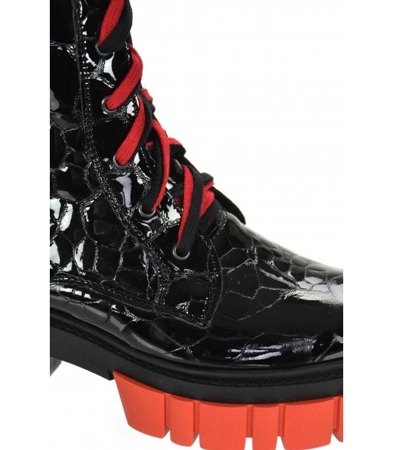 Čierno-červené lakované kožené workery s kroko vzorom na podošve Venus DKO3023