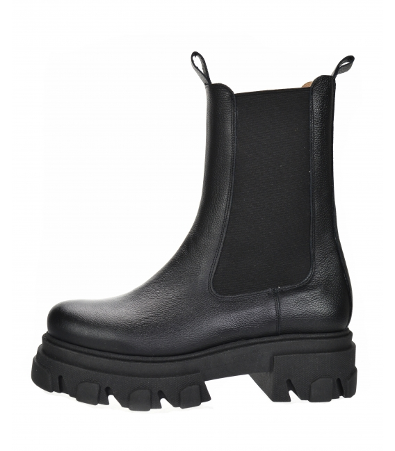 Čierne nízke čižmy s elastickým materiálom na vysokej podošve 8120