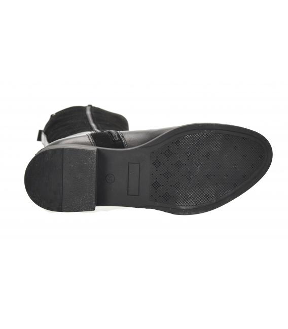 Čierne jazdecké čižmy s remienkom 9012