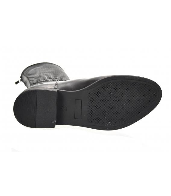Čierne nízke čižmy s elastickým pleteným vzorom na sáre 886