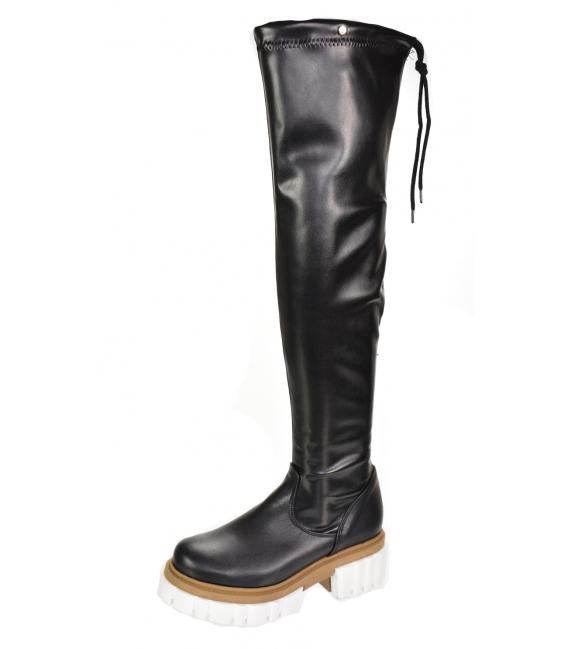 Čierne kožené čižmy s vysokou sárou nad kolená na bielo hnedej podrážke DCI2293