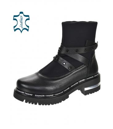 Čierne členkové topánky s ozdobnými pásikmi 8153