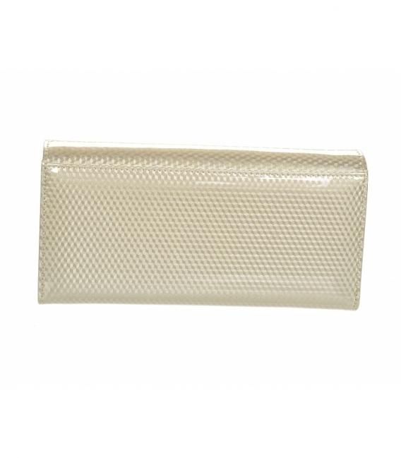 Dámska béžová lakovaná peňaženka s jemným vzorom GROSSO